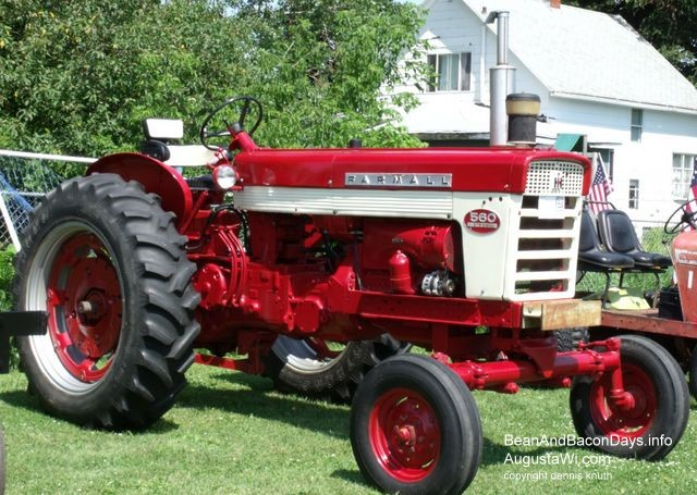 Farmall 560 Tractor : Farmall antique tractor